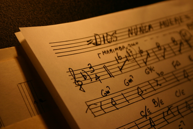 music-chart-1565120